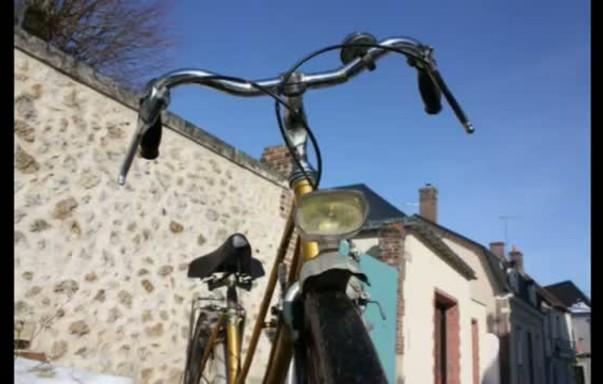 Vintage bike fun with Mickael Dupont